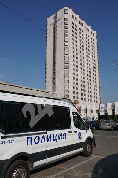 """Спецпрокуратурата влезе в офиси в столичния хотел """"Маринела"""" СНИМКИ и ВИДЕО: Десислава Кулелиева СНИМКА: 24 часа"""