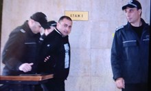 Задържаха извършителя на палеж срещу фоторепортер от Бургас, искат постоянен арест