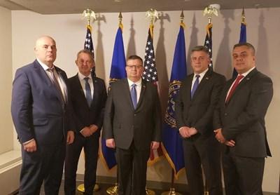 Главният прокурор Сотир Цацаров, заместникът му Иван Гешев и тримата шефове на служби по вреем на посещението си в САЩ.