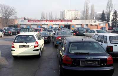 За колите над 20-годишна възраст ще има значително увеличение на данъка, а тези, които замърсяват най-малко, ще ползват големи отстъпки.