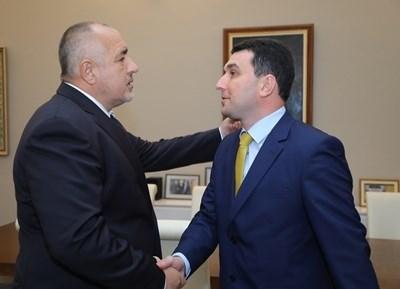 Бойко Борисов и кметът на Генерал Тошево Валентин Димитров СНИМКА: Министерски съвет/Архив