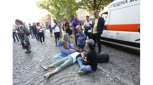 "Протестиращи блокираха бул. ""Дондуков"" (Снимки, видео)"