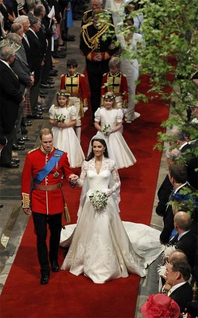 Уилям и Кейт по време на сватбата си на 29 април 2011 година