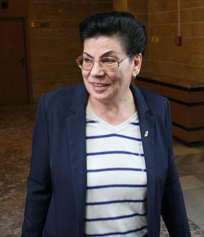 На последното заседание на съда преди дни Ройдова демонстрира добро настроение на влизане в залата.