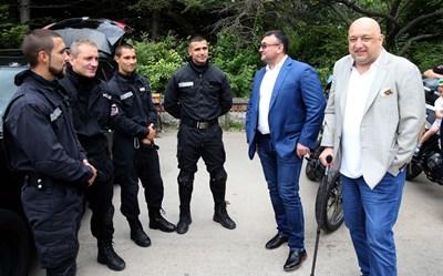 Министрите Младенов и Кралев на благотворителния концерт във Варна СНИМКИ: пресцентърът на спортното министерство