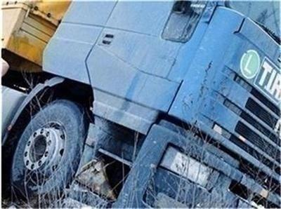 Аварирал тир затруднява движението по пътя Созопол-Бургас