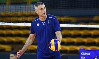 """През миналия сезон Стойчев бе треньор на """"Модена"""", но бе отстранен заради безпрецедентна атака на състезатели към българина."""