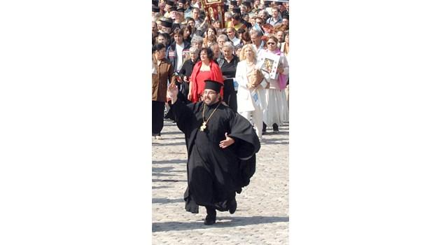 Свещеници, монаси и имами на бунт срещу задължителния час по физическо