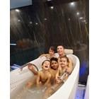 Роналдо и децата във ваната