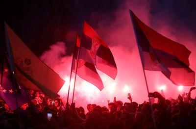 Протестиращи излязоха по улиците в Белград, за да изразят недоволството си срещу управлението на Александър Вучич  СНИМКА: Ройтерс