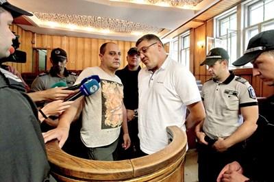 Чавдар Омайски-Капитана и Димитър Георгиев-Митко Горнобанския се изправиха пред Софийския районен съд. СНИМКА: Румяна Тонeва