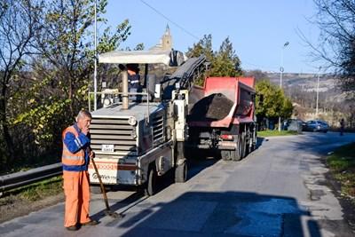 """Частични ремонти започнаха по улица """"Теодосий Търновски"""" в района на Великотърновски университет"""