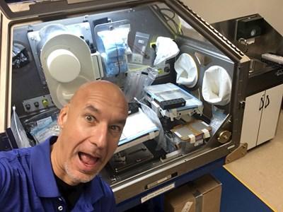 Астронавтът Лука Пармитано СНИМКА: туитър/astro_luca