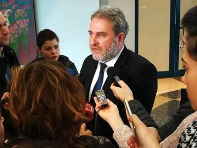 Министър Боил Банов съобщи на брифинг на летището, че артефактите ще дойдат у нас вероятно в петък.