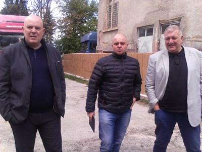 Иван Гешев и Ивайло Иванов на КГПП Кулата Снимка: Авторката