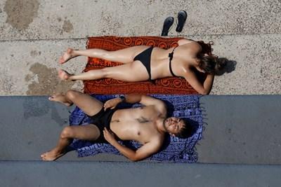 След горещи лета се раждат по-малко бебета. СНИМКА: РОЙТЕРС