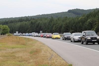 """Внимание! Задръстване на магистрала """"Тракия"""" заради катастрофа"""