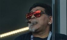 Марадона проби антиникотиновата блокада на световното в Русия