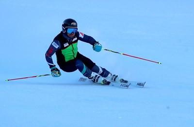 Звездата ни в алпийските ски Алберт Попов направи тренировъчно спускане в Банско и призна, че пистата е трудна и изморителна.  СНИМКИ: КОСТАДИН АНДОНОВ