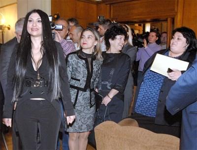 Софи пя и в Европарламента, но каза, че по-добре се чувства с българските депутати.  СНИМКА: РУМЯНА ТОНЕВА СНИМКА: Румяна Тонeва