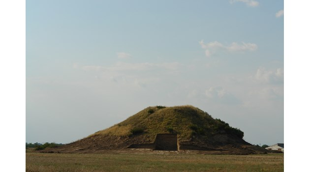 Археолози и учени проучват хипотезата: Лежи ли в Малтепе владетелят бедуин, приел християнството