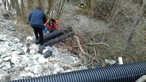 """Задържаха 84-годишния шеф на """"Лъки Инвест"""" за замърсяването на реките Чая и Юговска с цианиди"""