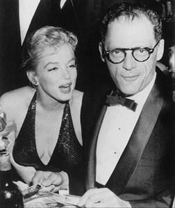 Мерилин Монро и третият ? съпруг Артър Милър на Априлския бал за Париж във Валдорф Астория, Ню Йорк, 14.04.1957 г.