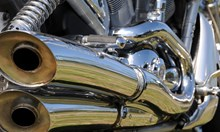Мотоциклетист бере душа след тежка катастрофа във Велико Търново