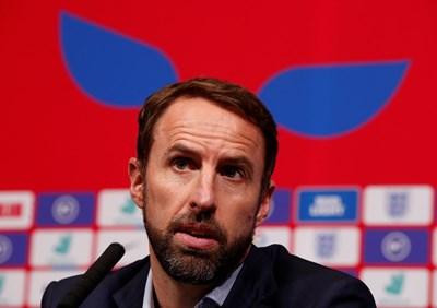 """Гарет Саутгейт говори на пресконференция на """"Уембли"""", на която бе попитан има ли разочарование в отбора му от наказанието на България. СНИМКИ: РОЙТЕРС"""