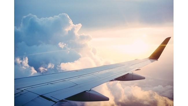 Самолет кацна аварийно на летището в Солун заради пожар на борда (Обновена)