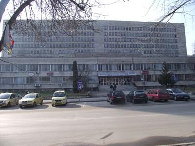 С проект за 3 милиона лв. сменят отоплението на болницата в Свищов