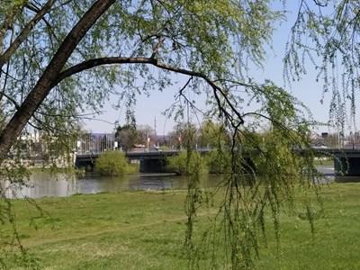 Река Марица в чертите на Пловдив.