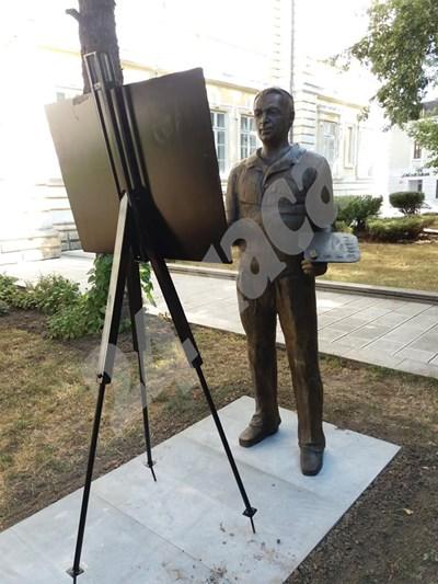 Откриват паметник на художника Бедиг Бедросян в Силистра. СНИМКИ: Авторката СНИМКА: 24 часа