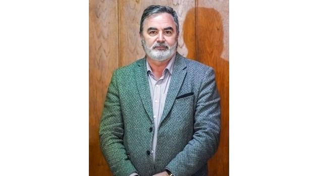 Пенсионирането на проф. Кантарджиев е законно. Благодаря му