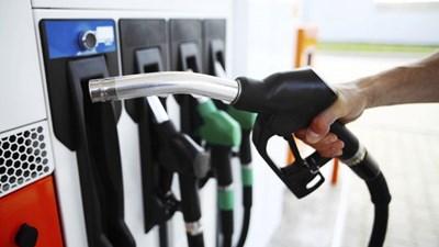 Цените на горивата в България са намалели най-много от цяла Европа
