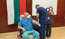 Реимунизират лекарите и медицинския персонал във ВМА (Видео)