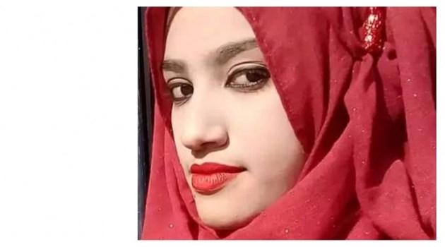 19-годишната Рафи от Бангладеш бе залята с керосин и подпалена, след като обвини в сексуален тормоз свой професор