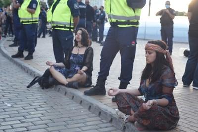 """Хиляди излязоха на пл. """"Независимост"""" срещу корупцията в София и днес. Снимки Велислав Николов"""