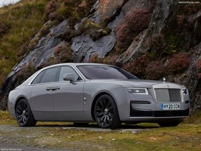 Пандемията принуди богатите да купуват употребявани коли Rolls-Royce, не им се чака за нови