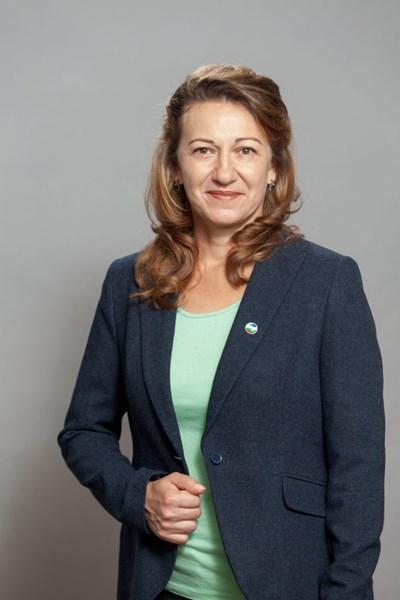 Стела Николова