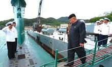 Ким пуска ядрена подводница. Тя ще носи балистични ракети, показват сателитни снимки