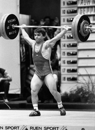 Наум Шаламанов става световен шампион в София малко преди да избяга в Турция. СНИМКА: Иван Григоров