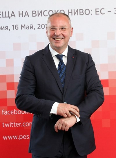 Сергей Станишев е президент на ПЕС от 2011 г. Преизбран е за трети мандат на конгреса в Лисабон през декември 2018 г. Член на ЕП от 2014 г. Ръководител на Делегацията на българските социалисти в ЕП, зам.-председател на Комисията по граждански свободи, правосъдие и вътрешни работи, както и член на Бюрото на Групата на социалистите и демократите. Лидер на БСП 13 г. (2001 - 2014). Премиер на България (2005 - 2009). През 2007 г. по време на мандата на неговото правителство страната става член на ЕС.