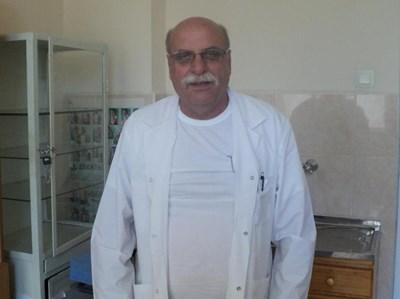 Д-р Александър Сивиков СНИМКА: Антоанета Маскръчка