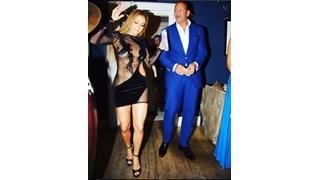 Дженифър Лопес блесна с прозрачна рокля на рождения си ден (Снимки)