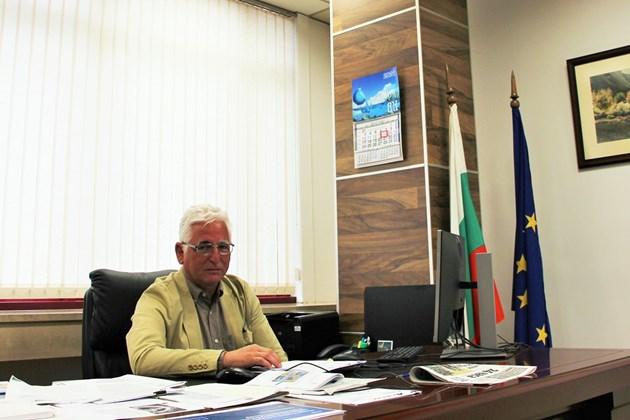 Уволниха и един от заместниците на Виолета Комитова