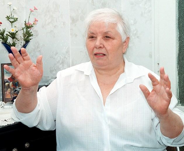 Феноменът Вера Тодорова: Небесните доктори правят чудесата в дома ми