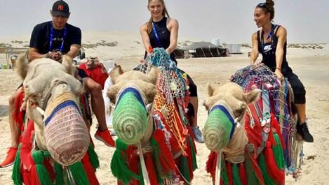 Ивет и Габи Петрова на сафари в катарската пустиня