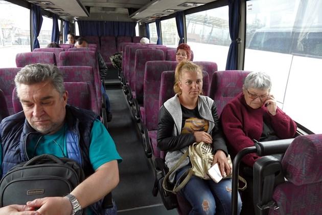 Директни автобуси до големите градове само от общински центрове с над 30 000 души