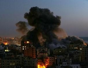 """Израелски удар срути сграда с офиси на """"Ал Джазира"""" и Асошиейтед прес в Газа"""